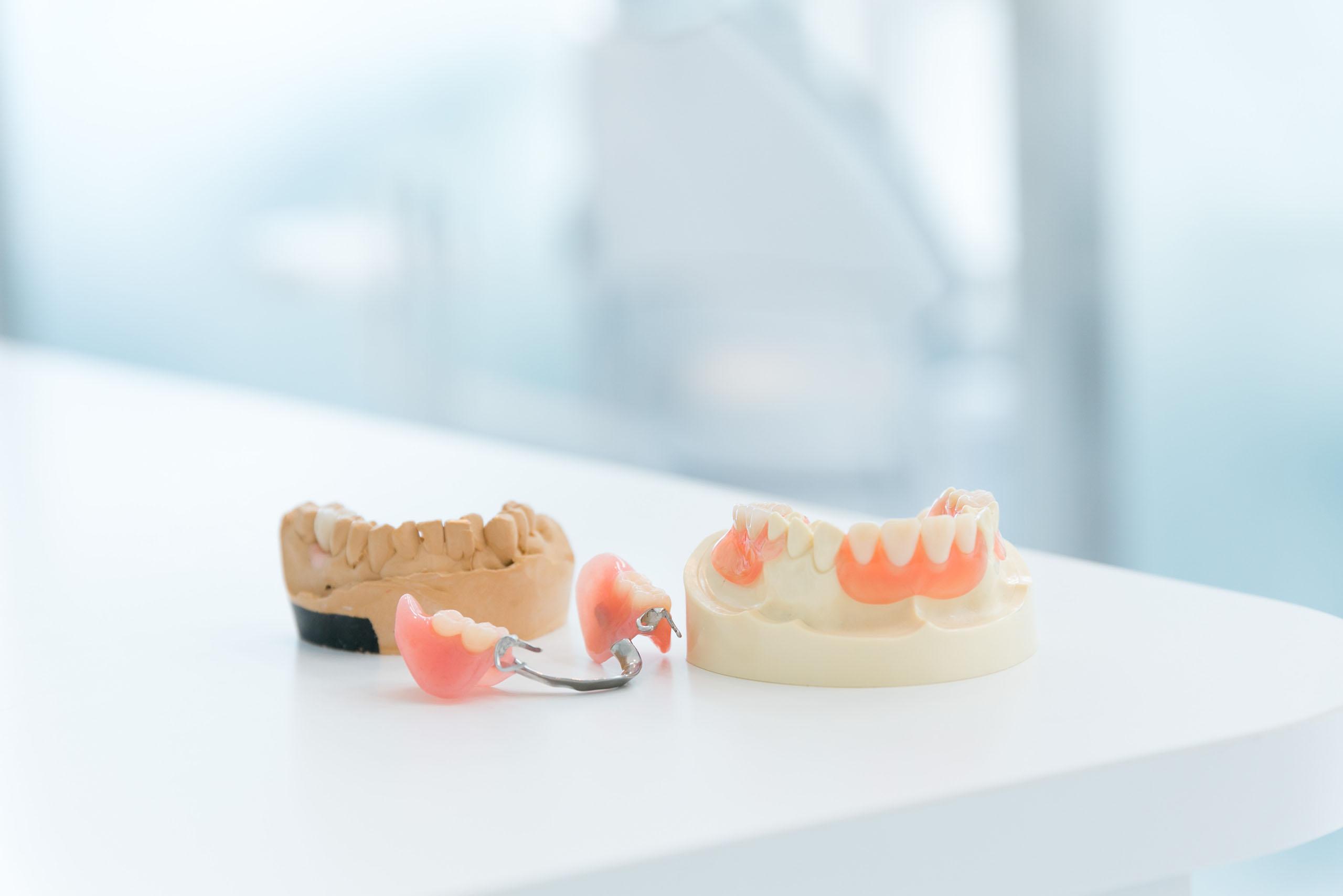 義歯専門の歯科技工士と密な連携を取り義歯を作製